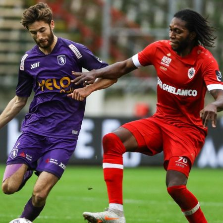 """Beerschot vs Royal Antwerp FC – Wie verliest na de coach, ook de titel van """"Ploeg van't Stad""""."""